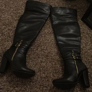 Super sexy over the knee black leather hooker boot